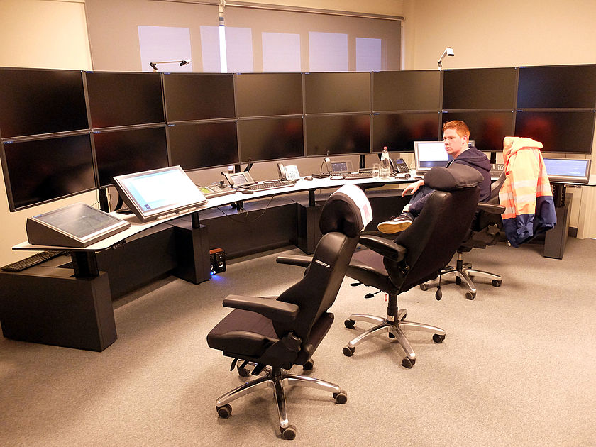 The new control room is composed of 2 dual setups of 10 monitors each, and one of 16 monitors.